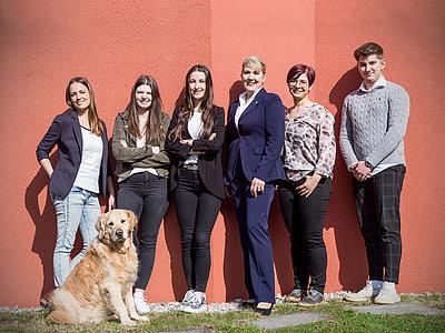 Gruppenfoto ihrbüroservice Team | Kufstein